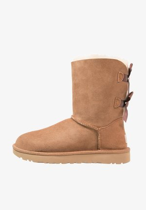 BAILEY BOW - Classic ankle boots - chestnut
