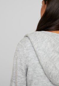 Vero Moda - VMMURE - Cardigan - light grey melange - 5