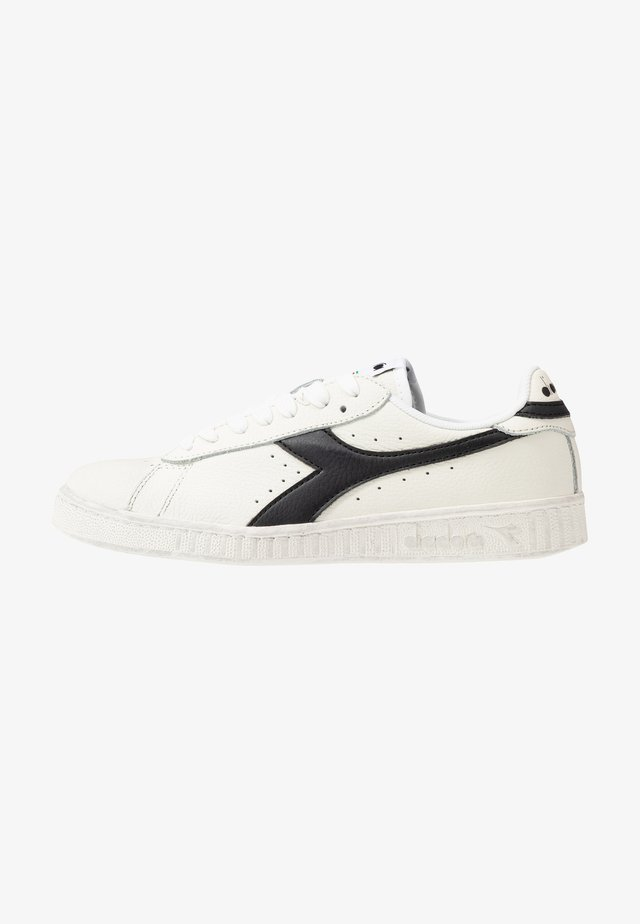 GAME WAXED - Sneakers laag - white /black