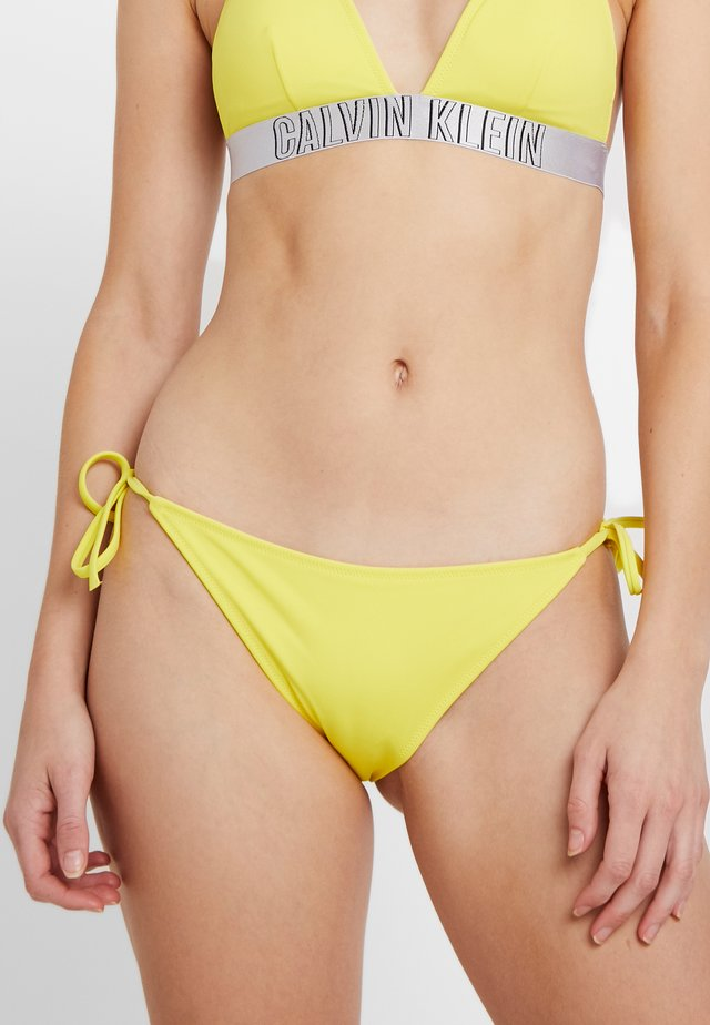 INTENSE POWER CHEEKY STRING SIDE TIE - Bikinibukser - celandine