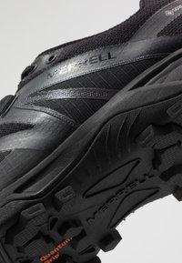 Merrell - MQM FLEX 2 GTX - Vaelluskengät - black - 5