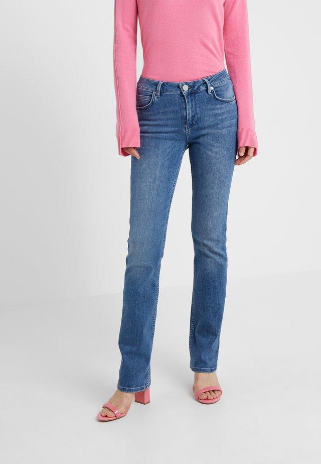 REMI - Jeansy Straight Leg - mid blue