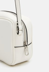 Calvin Klein Jeans - CAMERA BAG - Bandolera - white - 2