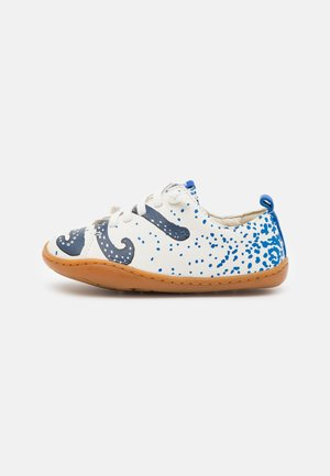 KIDS UNISEX - Zapatos con cordones - white/blue
