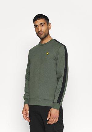 SLEEVE TAPE CREW - Sweatshirt - cactus green