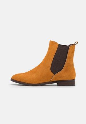 Classic ankle boots - curcuma