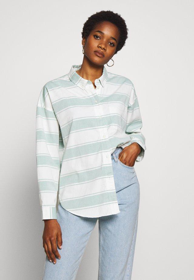 CORE CHINO STRIPE  - Skjorte - teal