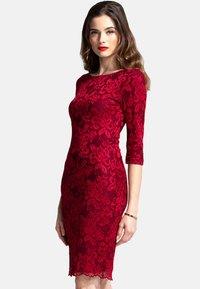 HotSquash - Pouzdrové šaty - red - 0