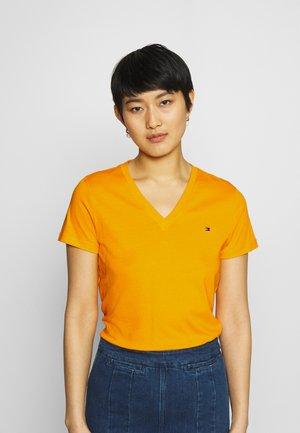NEW VNECK TEE - T-shirt basic - solstice