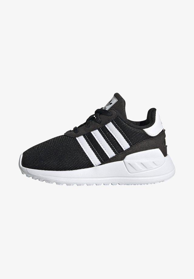 LA TRAINER LITE SHOES - Trainers - core black/ftwr white/core black