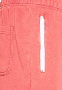 Nike Sportswear - WASH - Shorts - lobster - 2