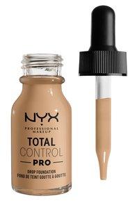 Nyx Professional Makeup - TOTAL CONTROL PRO DROP FOUNDATION - Foundation - buff - 1