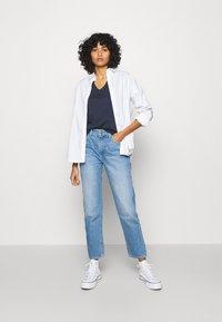 Tommy Jeans - SLIM VNECK - T-shirt basic - blue - 1