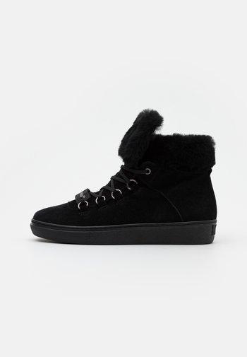 KARINA OUTDOOR - Kotníková obuv - black