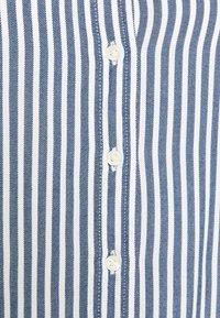 GAP Petite - SHIRRED - Button-down blouse - blue - 5