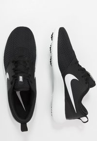 Nike Golf - ROSHE G - Obuwie do golfa - black/metallic white/white - 1