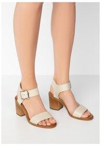 Inuovo - Sandals - bone bne - 0