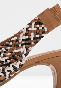 Pedro Miralles - Classic heels - multicolor - 2