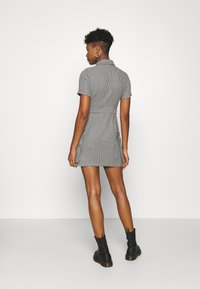 The Ragged Priest - HOUNDSTOOTH SHIRT DRESS STRAPPED POCKETS - Day dress - black/white - 2