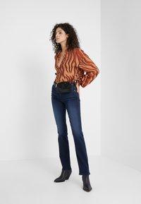 7 for all mankind - THE STRAIGHT  - Straight leg jeans - bair park avenue - 1
