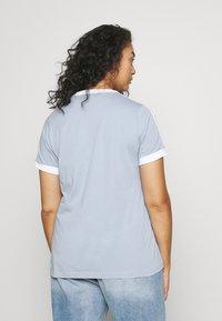 adidas Originals - 3 STRIPES TEE - T-shirt print - ambient sky - 2