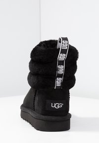 UGG - FLUFF MINI QUILTED - Classic ankle boots - black - 5