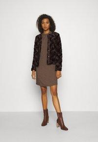 Vero Moda - Light jacket - dark brown - 1