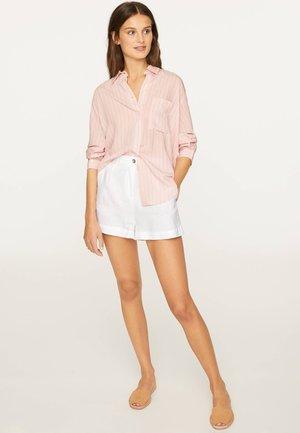 SHIRT WITH PINK STRIPES - Skjortebluser - rose