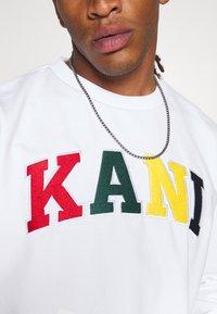 Karl Kani - SERIF CREW - Sweatshirt - white - 5