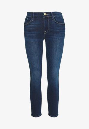 LE SKINNY DE JEANNE CROP - Skinny džíny - blue denim