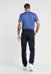 Nike Golf - FLEX 5 POCKET PANT - Tygbyxor - black/wolf grey - 2