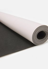 Casall - YOGA MAT COVER UP GRIPPY 2MM - Fitness / Yoga - devine pink - 2