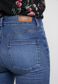 ONLY - ONLBLUSH - Jeans Skinny Fit - medium blue denim - 5