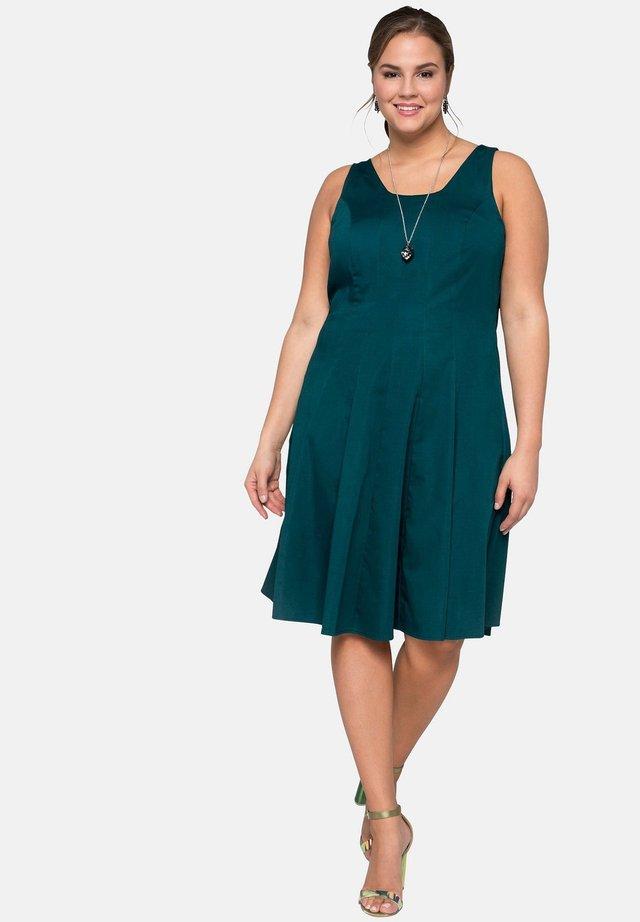 Cocktail dress / Party dress - deep green