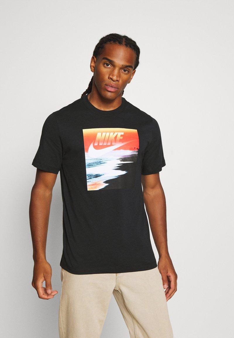 Nike Sportswear - TEE SUMMER PHOTO - Print T-shirt - black