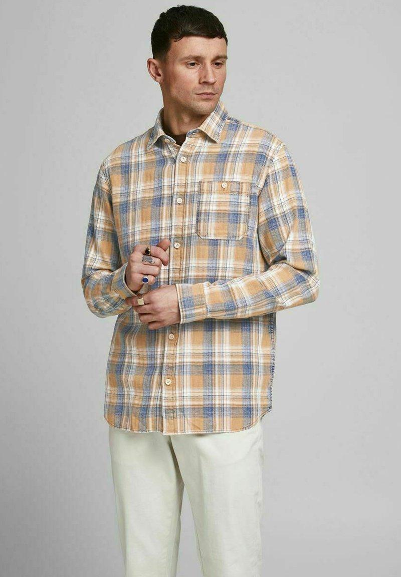 Jack & Jones PREMIUM - Shirt - sudan brown