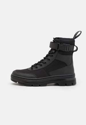 COMBS TECH -8 EYE BOOT UNISEX - Lace-up ankle boots - black