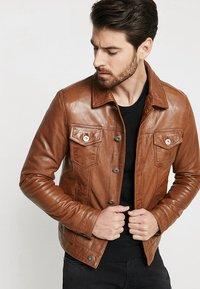 Serge Pariente - JEAN JACKET HOOD - Leather jacket - cognac - 3