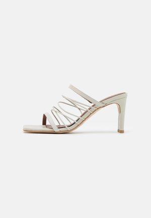 SUNBEAM - Pantofle na podpatku - offwhite