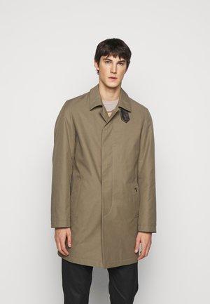 COAT REGULAR FIT - Classic coat - caribou