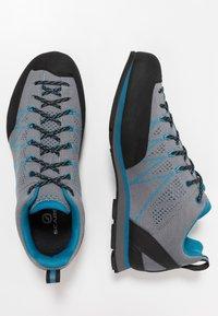 Scarpa - CRUX AIR - Walking trainers - smoke/lake blue - 1