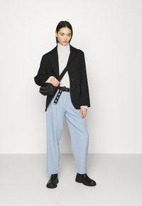 YAS - YASCORNFLOWER CROPPED PANT - Trousers - cornflower blue - 1