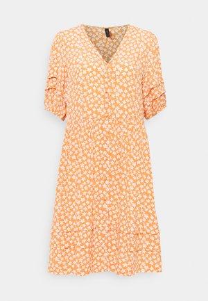 YASLURA DRESS - Kjole - raw sienna/lura