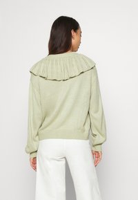 Monki - MIMMI  - Strikjakke /Cardigans - green - 2