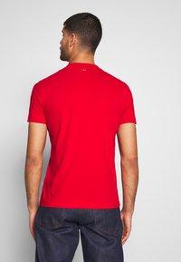 Napapijri - SOLANOS - Camiseta estampada - bright red - 2