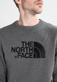 The North Face - MENS DREW PEAK CREW - Sweatshirt - mid grey heather - 4