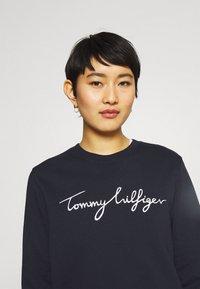 Tommy Hilfiger - REGULAR GRAPHIC - Sweatshirt - blue - 3