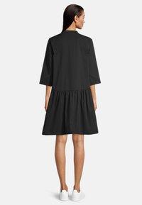 Vera Mont - Shirt dress - schwarz - 1