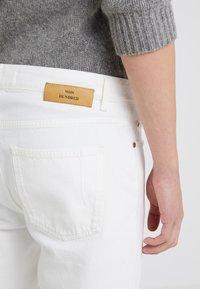 Won Hundred - BEN - Straight leg jeans - tinted white distressed - 3