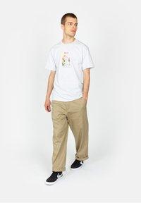 HUF - Born  - Print T-shirt - ash - 1